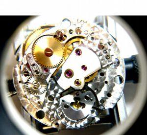 ロレックスのオーバーホールでは重要なテンプの組み上げをします。BROOCH時計修理工房