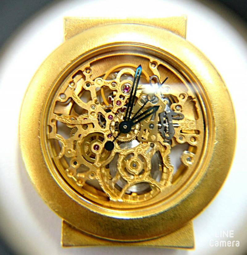 金無垢の時計分解掃除はブローチ新潟時計修理工房へクービックの彫金時計も直ります