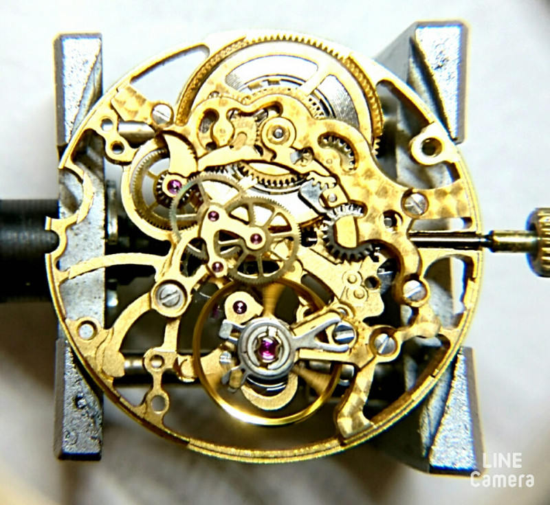 スケルトン仕様の複雑な時計修理を新潟でお探しならBROOCHへ
