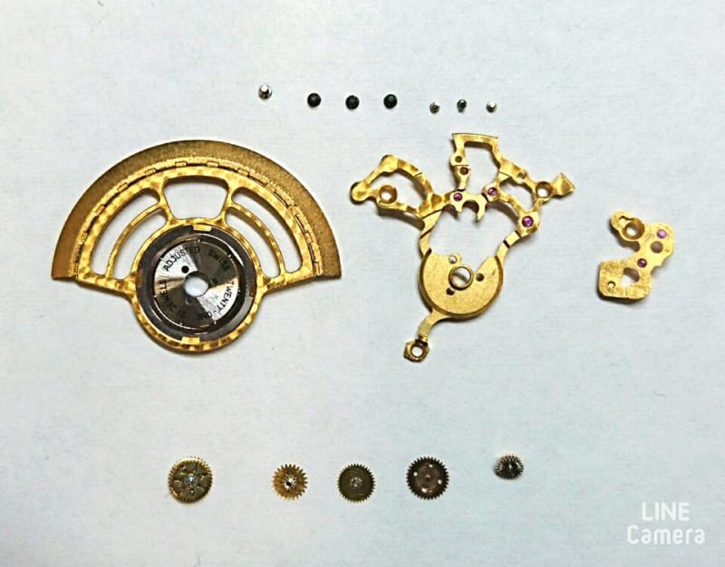 ドイツ機械式時計のローターとパーツ、時計修理はBROOCH新潟