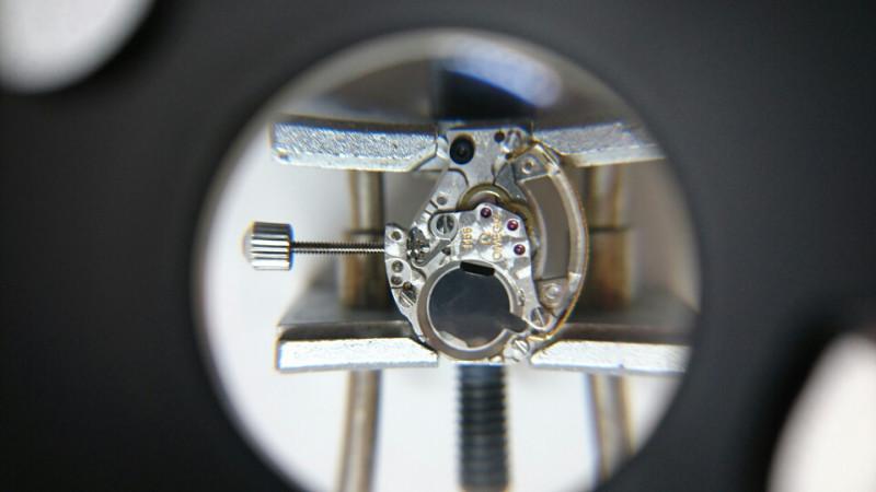 時計修理は新潟のBROOCH時計修理工房へオメガのクォーツもお任せください