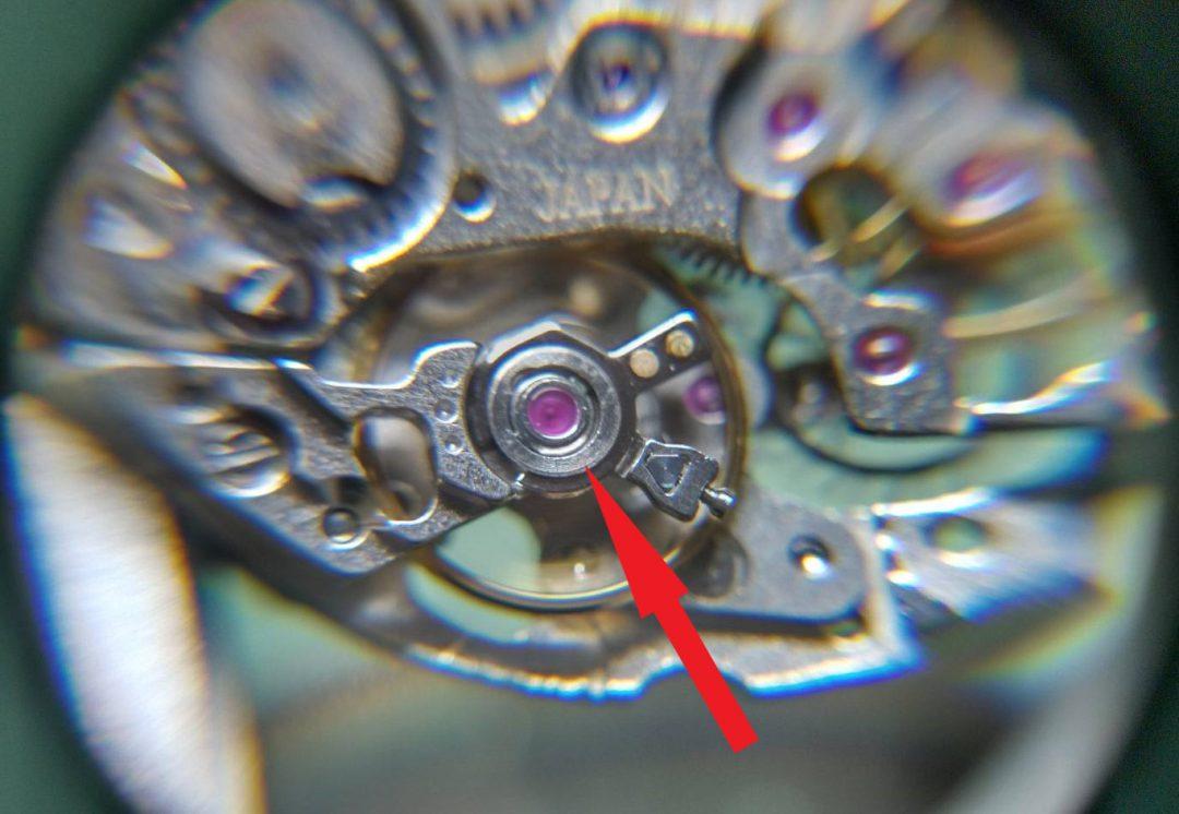 機械式時計のオーバーホール外装磨きは新潟万代ブローチ時計修理工房
