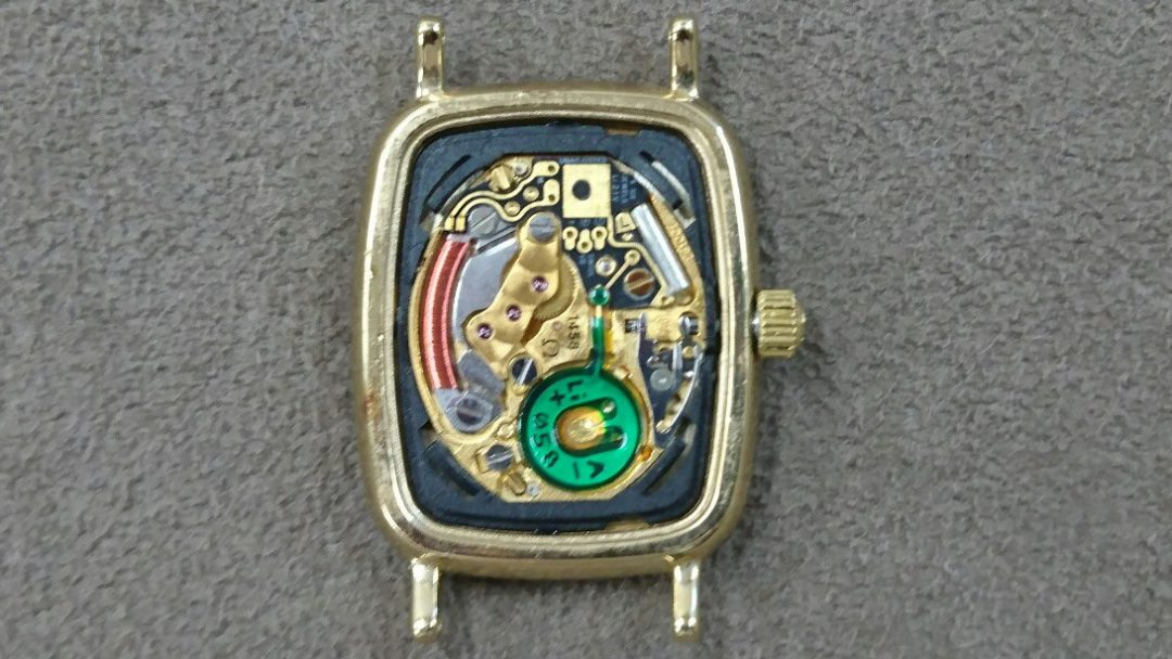 オメガ腕時計の分解掃除オーバーホールは新潟市のブローチ時計修理工房