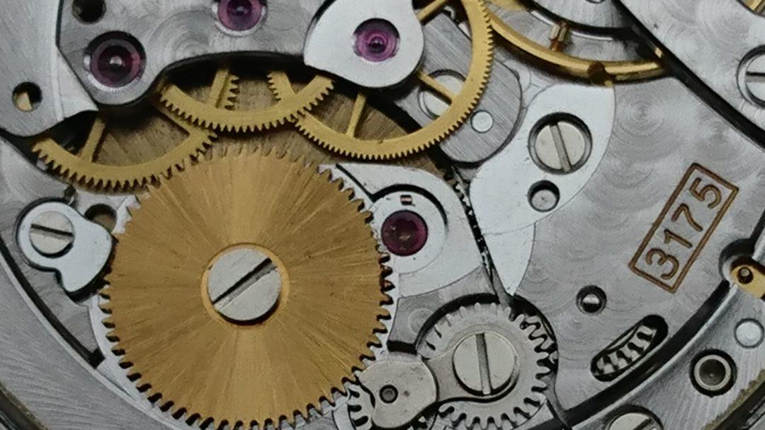時計の修理を新潟でするなら修理工房BROOCHへ歯車