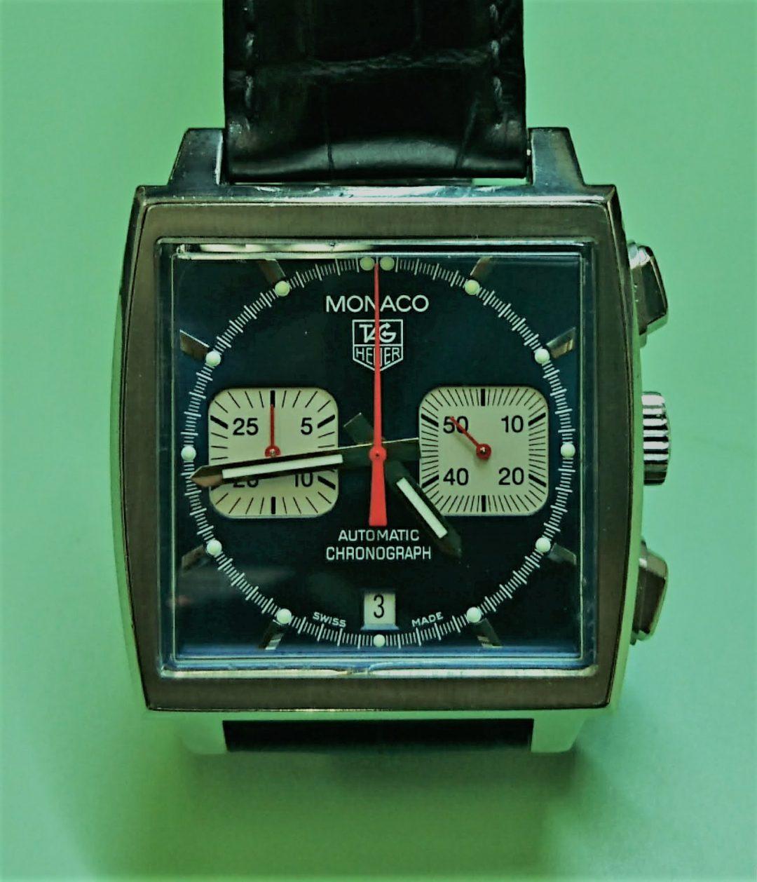 タグホイヤーのモナコを新潟市ブローチ時計修理工房でオーバーホールしました。
