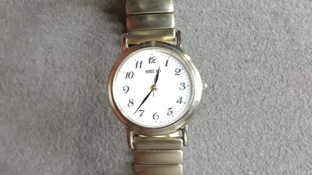 SEIKO レディース クオーツの電池交換を新潟市にある時計修理工房BROOCHで依頼しました。オーバーホールなども承ります。