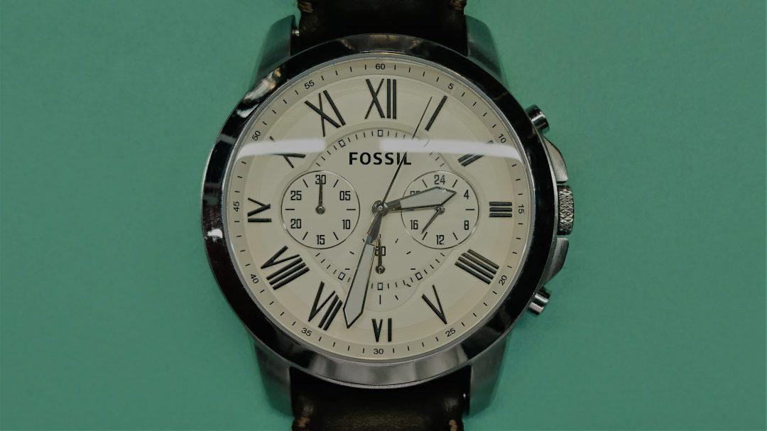 フォッシルの電池交換を新潟市にある時計修理工房で行いました。