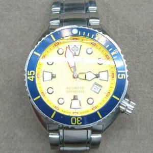 新潟で時計修理オーバーホール時計電池交換をするならBROOCH時計修理工房ゾディアック ZO8003 のコマ外し