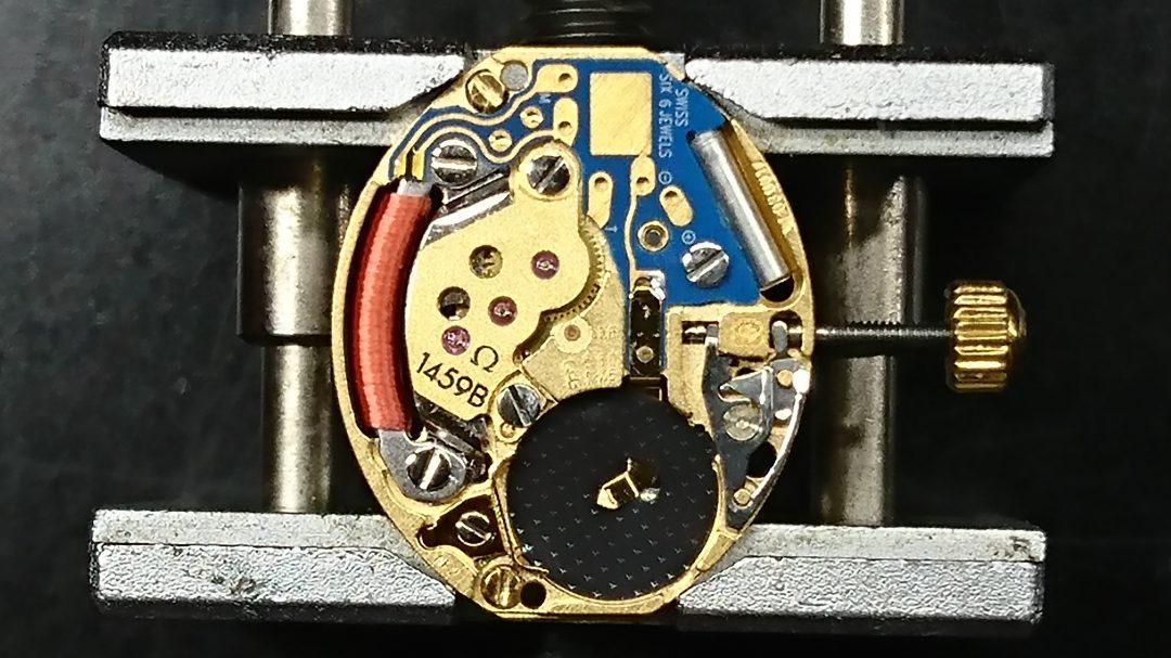 クォーツ時計の分解掃除オーバーホールは新潟市のブローチ時計修理工