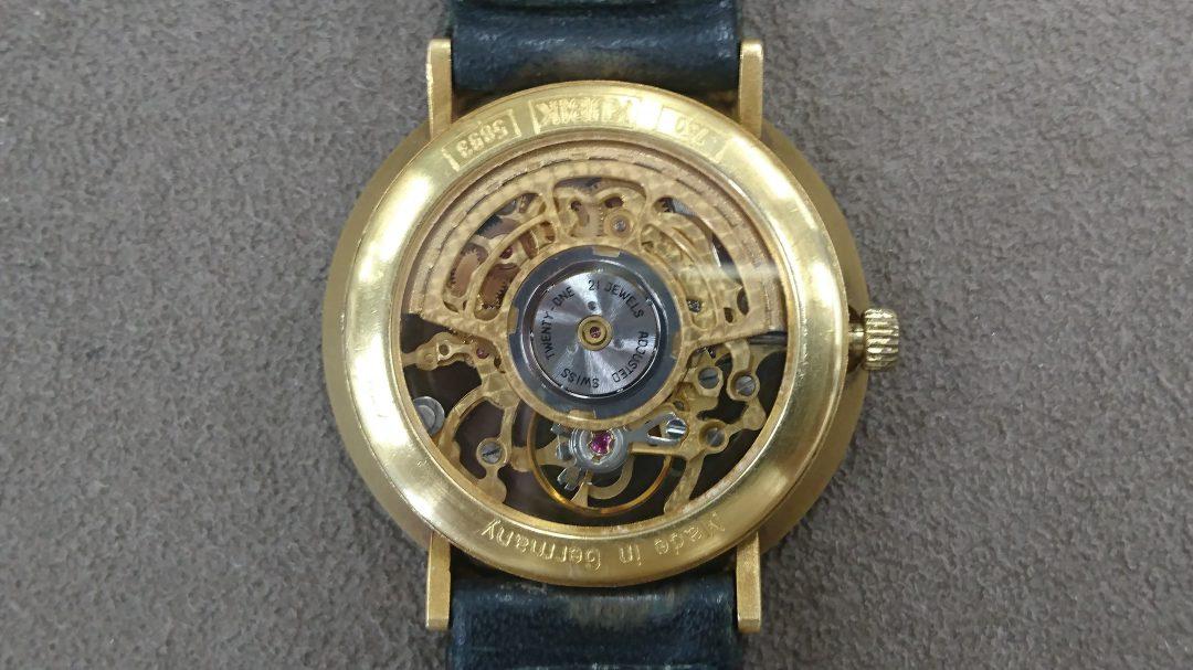 ブローチ新潟時計修理工房ではバックスケルトンの修理もお任せください
