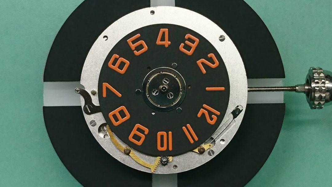新潟市にある時計修理工房でジェラルドジェンタの修理を行いました。