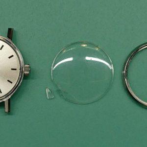 新潟で時計修理オーバーホール時計電池交換をするならBROOCH時計修理工房 OMEGAアンティーク ウォッチの風防交換