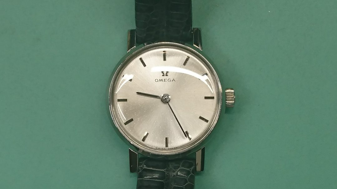 オメガ アンティーク 風防交換 時計修理は新潟市ブローチ時計修理工房におまかせください!