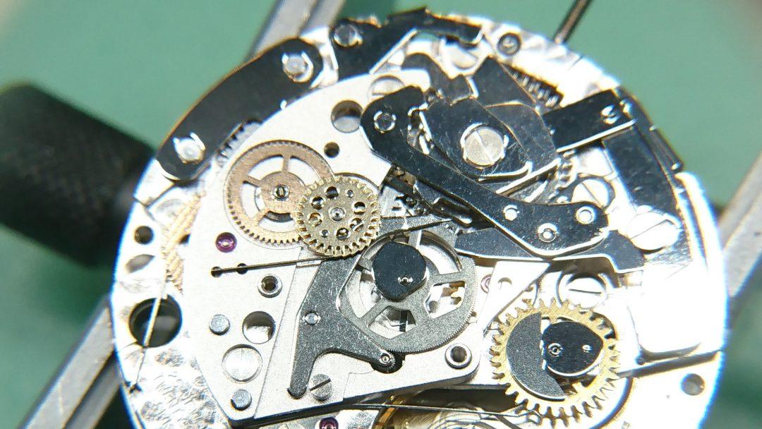 タグホイヤー オーバーホール(分解掃除)部品交換は新潟市ブローチ時計修理工房へ!