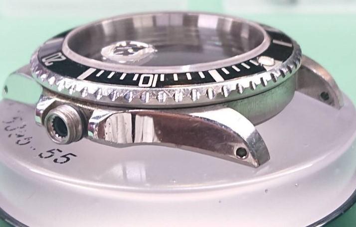 ロレックスのサブマリーナを新潟市ブローチ時計修理工房でオーバーホール、ポリッシュ加工しました。