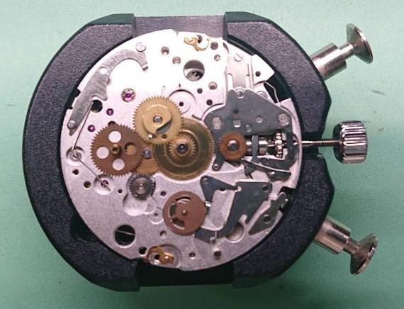 オメガスピードマスターのムーブメントキャリバー7750をオーバーホールするならブローチ時計修理工房