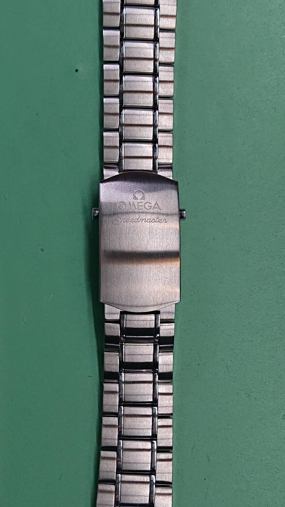 オメガ スピードマスター オーバーホール(分解掃除)、ポリッシュは新潟市ブローチ時計修理工房へ!