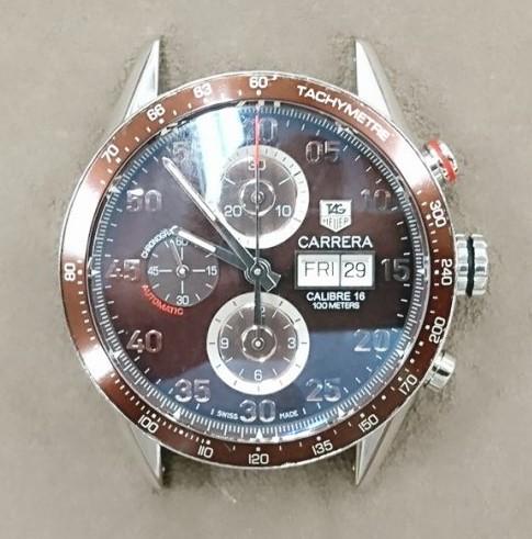 タグホイヤーカレラのオーバーホール、ポリッシュは、新潟市ブローチ時計修理工房におまかせください!