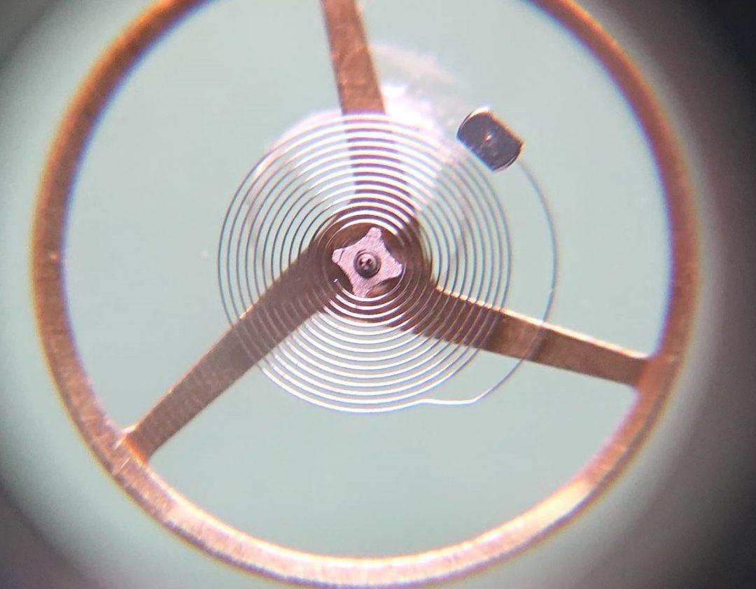 モーリスラクロア オーバーホール(分解掃除)は新潟市ブローチ時計修理工房におまかせください!