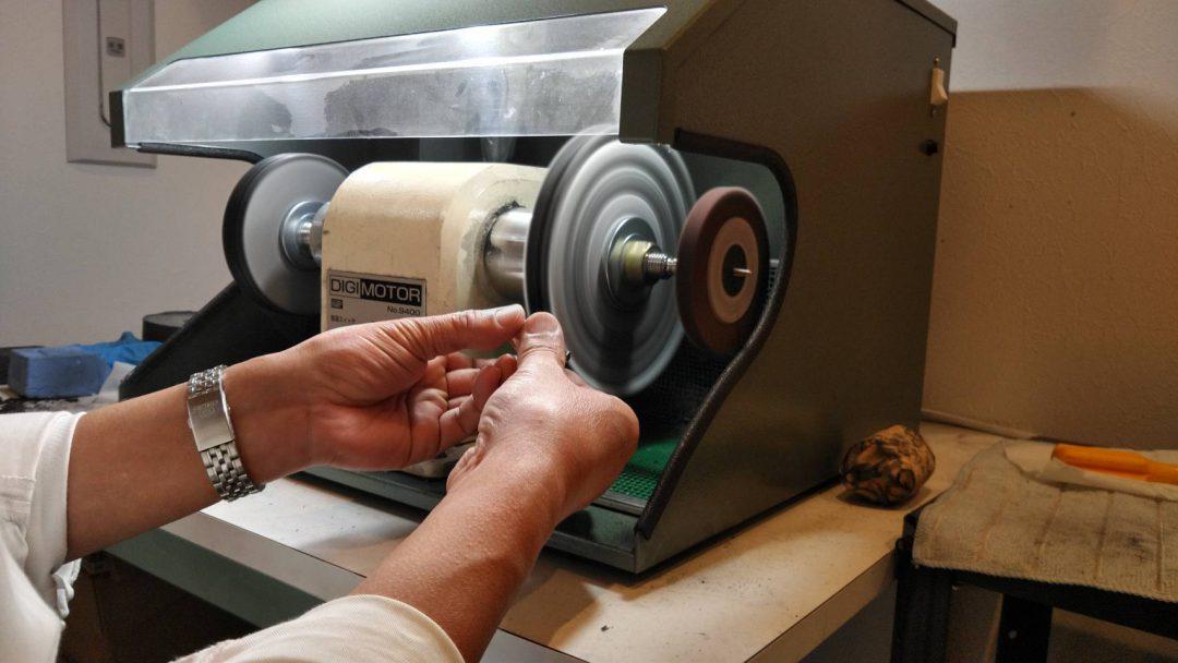 ロレックス サブマリーナ オーバーホール(分解掃除)は新潟市ブローチ時計修理工房へ!