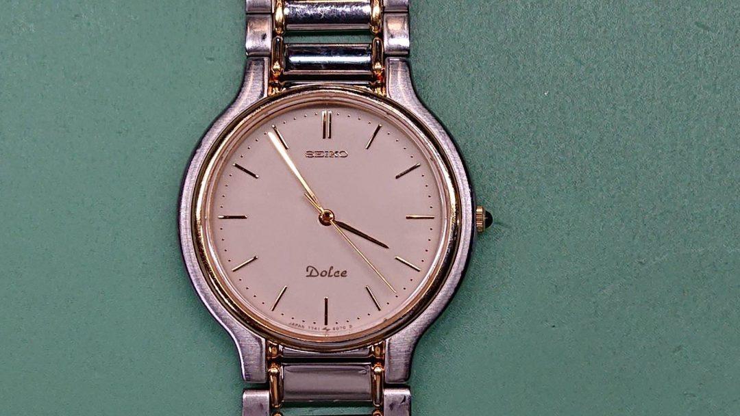 セイコーのドルチェのオーバーホール、ポリッシュ加工なら新潟市にある時計修理工房までお越しください!