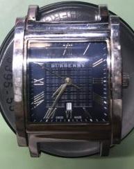 新潟市にある時計修理工房でバーバリーのオーバーホール、ポリッシュ加工をしました。