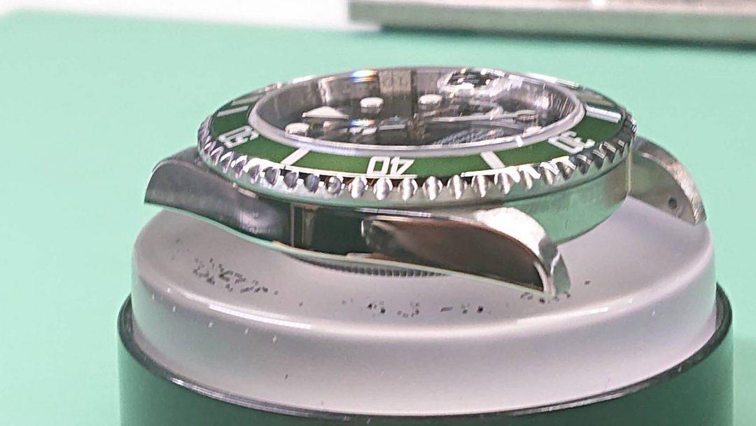 新潟市にある時計修理工房で、ロレックス サブマリーナのオーバーホール&ポリッシュ加工をしました。