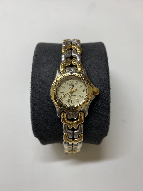 新潟市にある時計修理工房でタグホイヤーのリンクをオーバーホールしました。