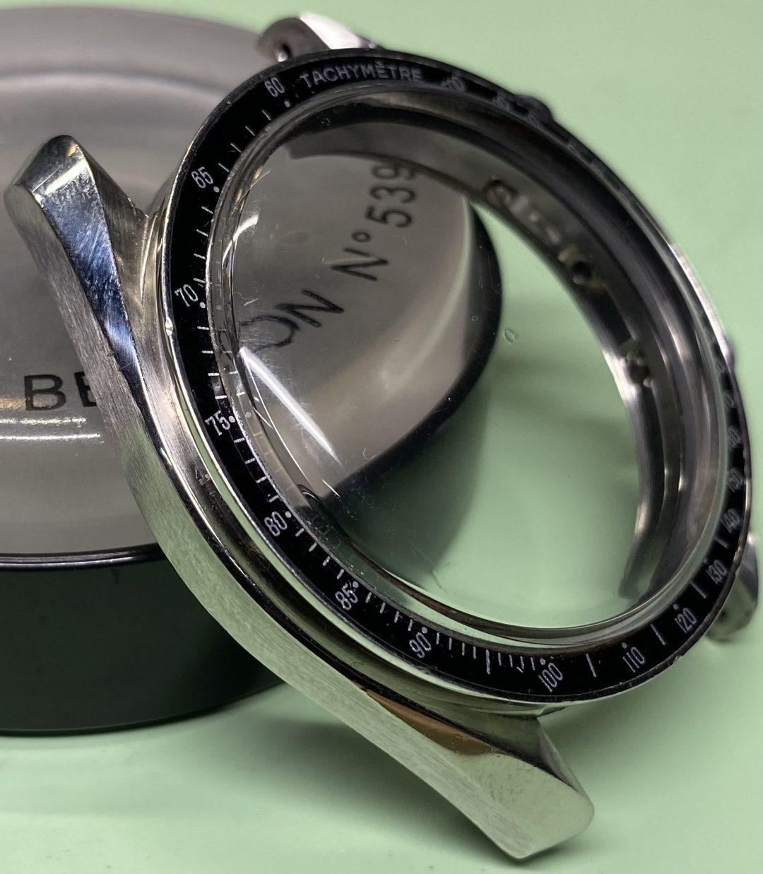 オメガスピードマスターの時計ブレスレットの磨き直し修理