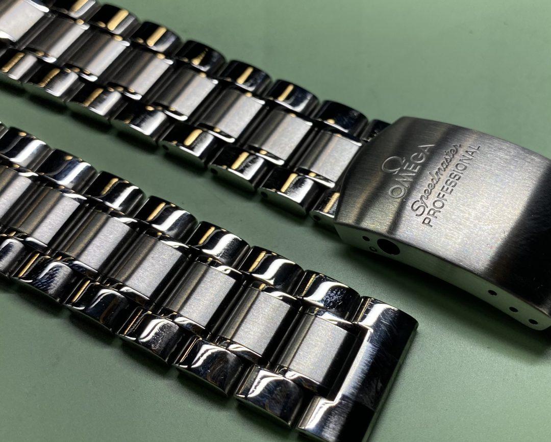 時計ブレスレットの長さを調整します