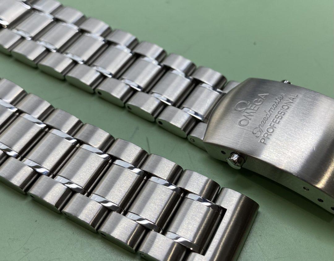 オメガスピードマスターの時計ブレスレットの磨き直し修理ヘアーライン加工