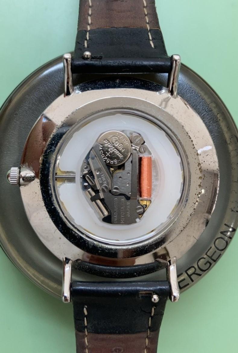 クルースの電池交換パッキン交換は新潟万代ブローチ時計修理工房