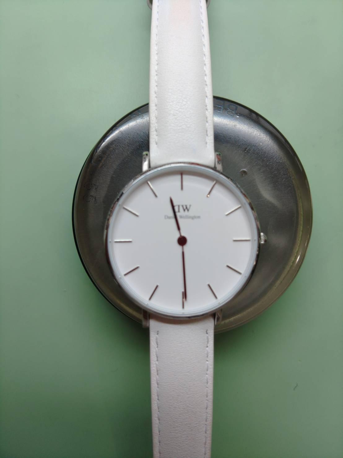 ダニエルウェリントンの電池交換パッキン交換は新潟万代ブローチ時計修理工房