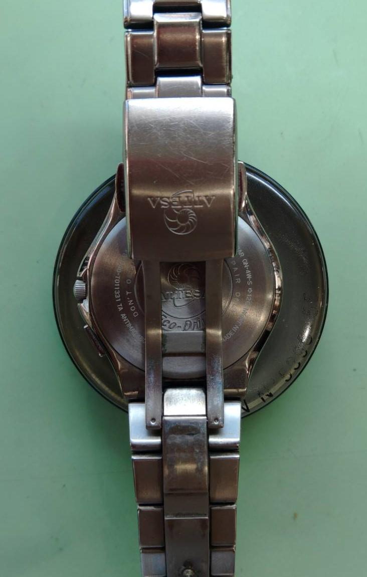 シチズンのオーバーホール電池交換パッキン交換洗浄は新潟万代ブローチ時計修理工房