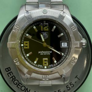 タグホイヤー クオーツのオーバーホールは新潟市ブローチ時計修理工房におまかせください!
