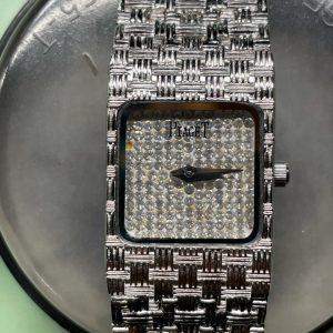 ピアジェ電池交換・時計修理は新潟市ブローチ時計修理工房にお任せください。