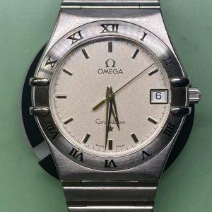 オメガ コンステレーションのオーバーホール 時計修理は新潟市ブローチ時計修理工房へ。