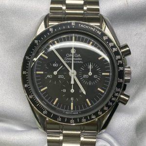 オメガスピードマスターのオーバーホール外装磨きをするならブローチ時計修理工房